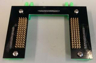 http://microfluidics.utoronto.ca/dropbot/media/120-channel_device_connector/step_2.jpg